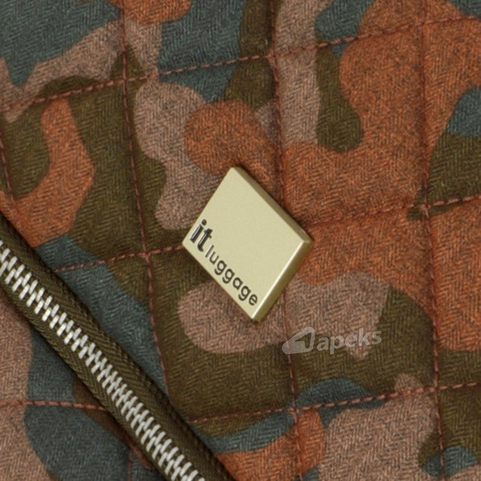 IT Luggage World's Lightest Quilted Camo średnia walizka M 65,5 cm / Leather Brown Camo